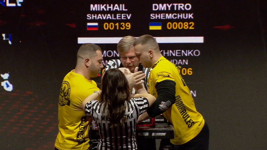 Mikhail Shavaleev vs Dmytro Shemcuk Right Hand Zloty tur Armwrestling World Cup 2019 # Armbets.tv # фкьиуеыюем