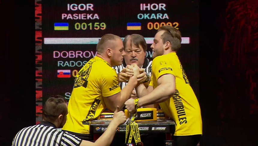 Igor Pasieka vs Ihor Okara Right Hand Zloty tur Armwrestling World Cup 2019 # Armbets.tv # фкьиуеыюем