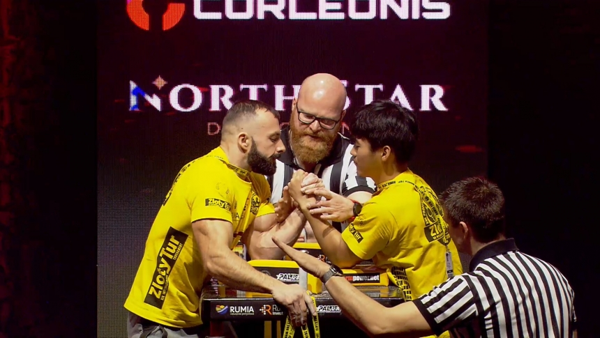 Krzysztof Hasinski vs Xiao Nan Lu Left Hand Zloty tur Armwrestling World Cup 2019 # Armbets.tv # фкьиуеыюем