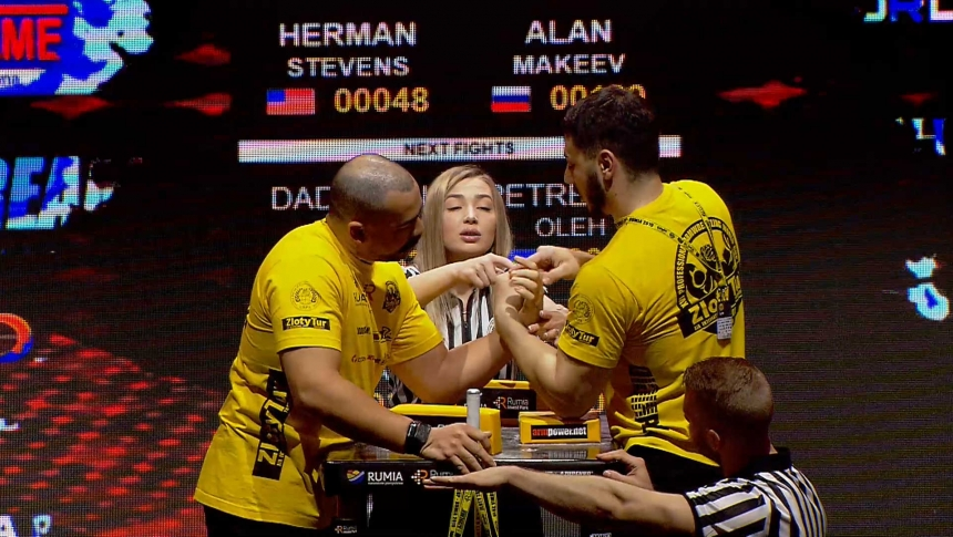 Herman Stevens vs Alan Makeev Left Hand Zloty tur Armwrestling World Cup 2019 # Armbets.tv # фкьиуеыюем