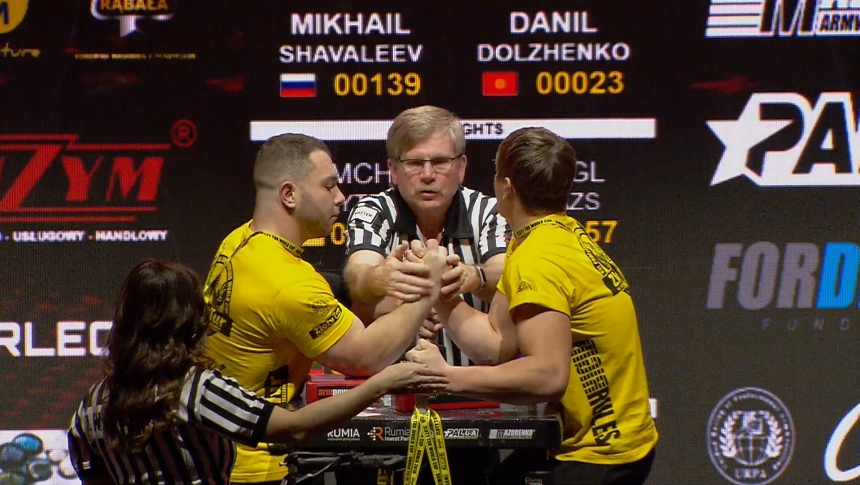 Mikhail Shavaleev vs Danil Dolzhenkov Right Hand Zloty tur Armwrestling World Cup 2019 # Armbets.tv # фкьиуеыюем