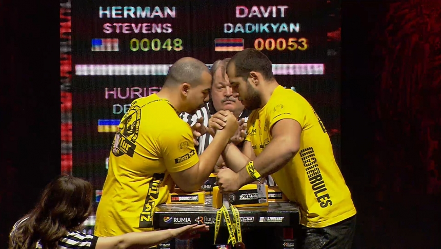 Herman Stevens vs Davit Dadikyan Right Hand Zloty tur Armwrestling World Cup 2019 # Armbets.tv # фкьиуеыюем