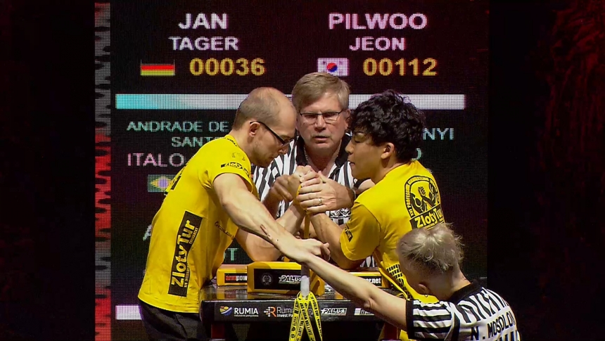 Jan Tager vs Pilwoo Jeon Left Hand Zloty tur Armwrestling World Cup 2019 # Armbets.tv # фкьиуеыюем